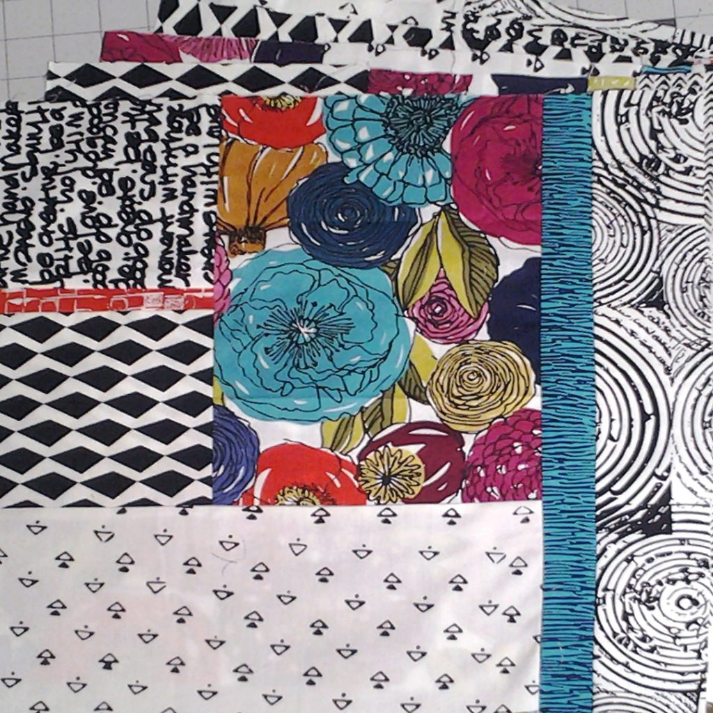 Photo of Modern Fat Quarter Quilting Block Set No2 Floral Print