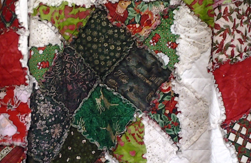 photo of Christmas Tree Rag Quilt Closeup