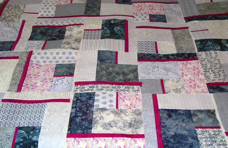 Gray & Fuchsia 'All Blocked In' Modern Fat Quarter Quilt Pattern