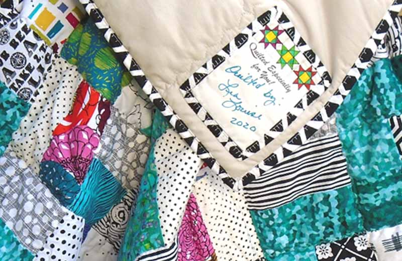 photo of how to label your quilt