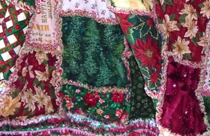 image of Christmas Rag Quilt with Ruffled border