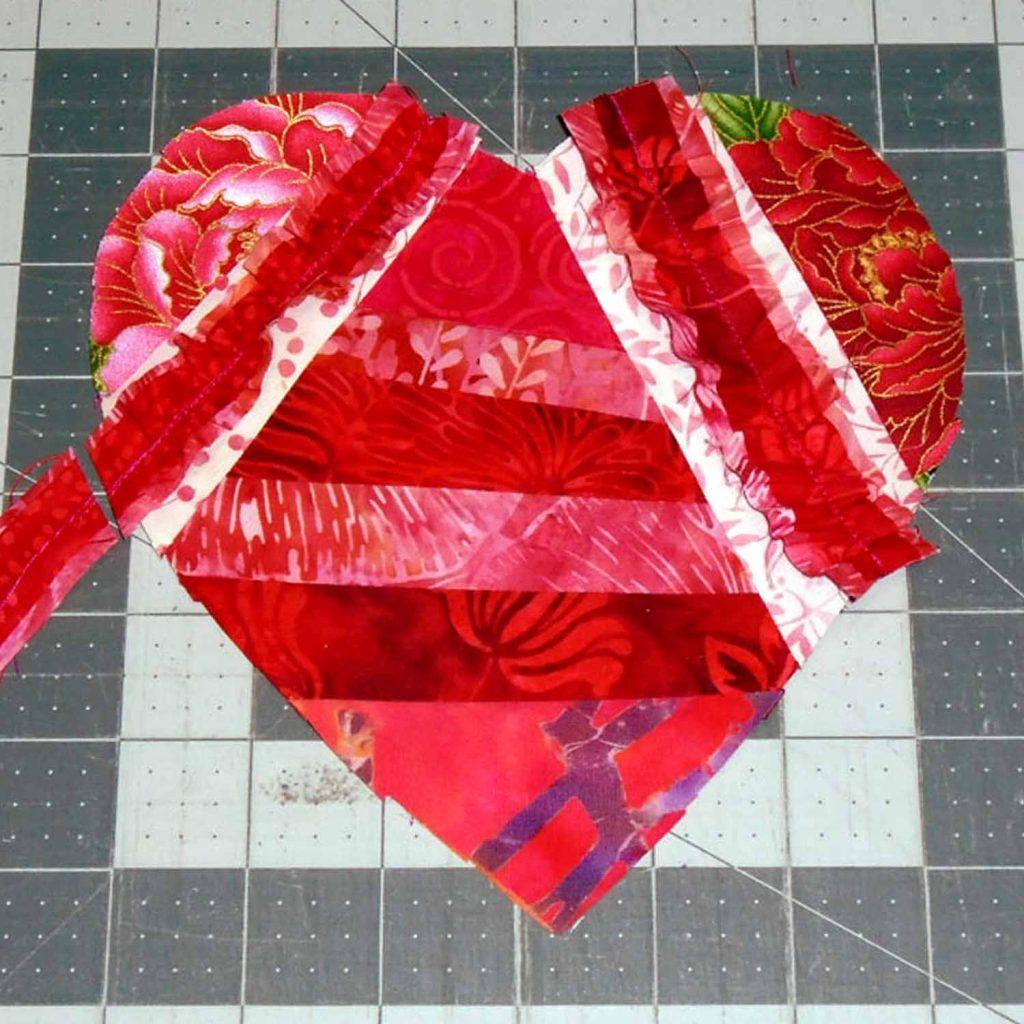 image of Valentine Mug Rug 5 Add Ruffles