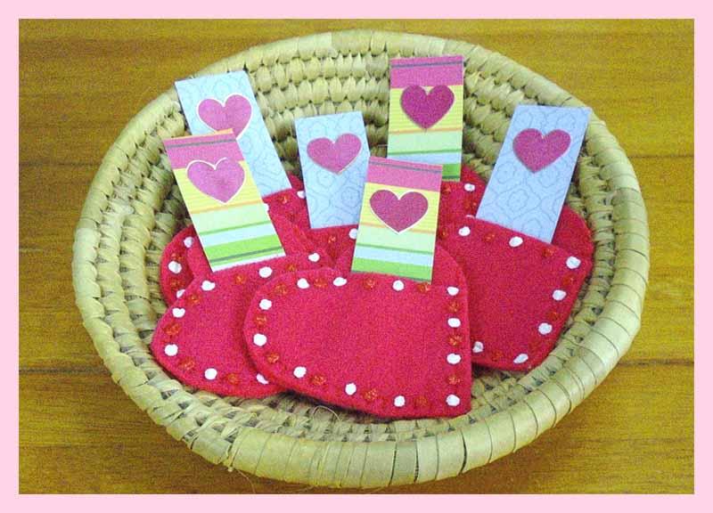 image of Valentine Heart Pocket tutorial free