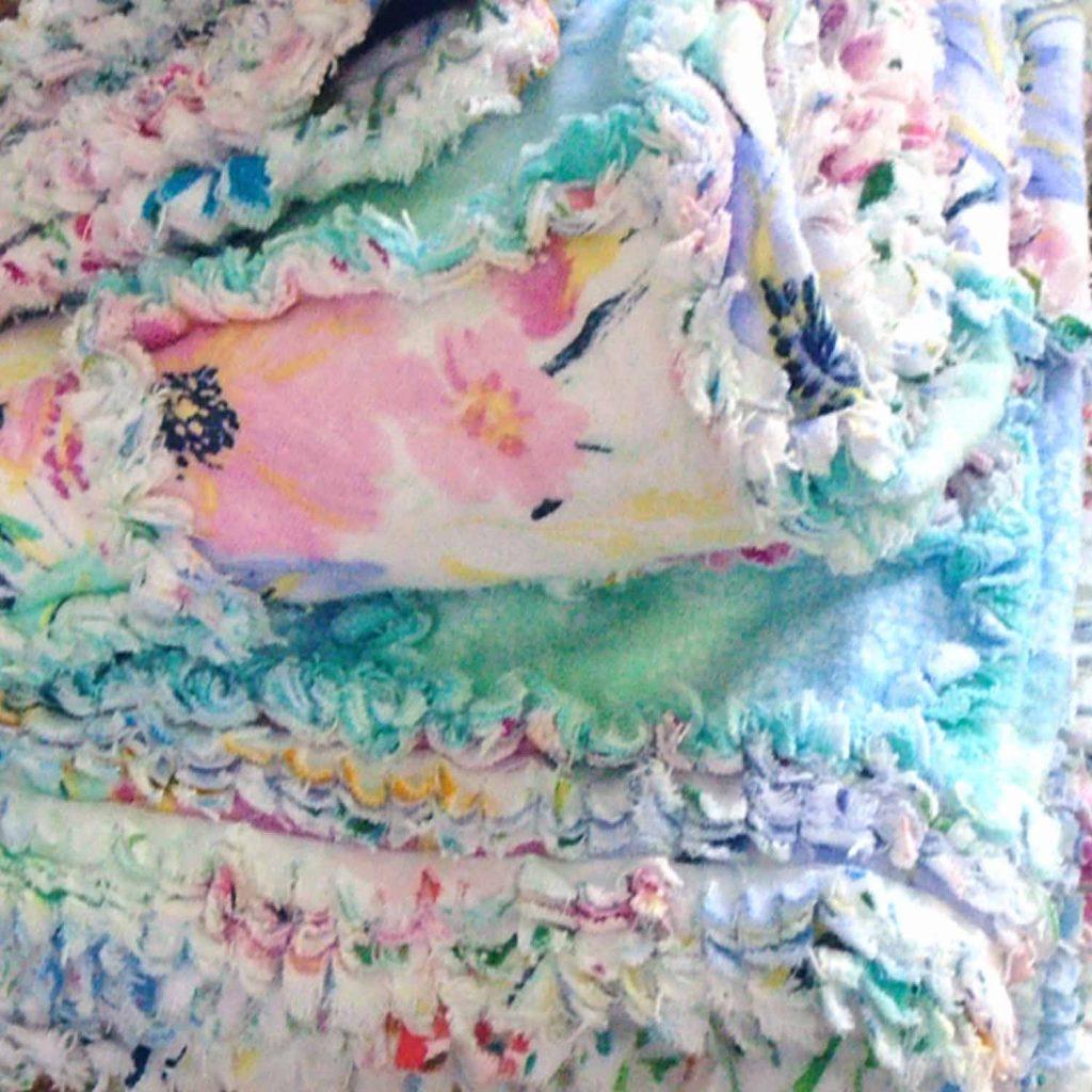 image of folded ruffled rag quilt borders